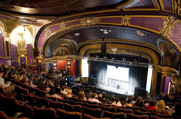 photo-chicago-riviera-theater-4746-n-racine-1910-seats-auditorium-and-stage-from-mickey-bricks-photostream